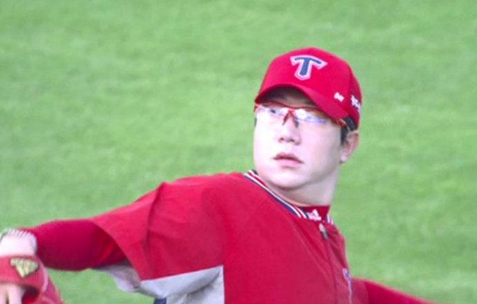Yang Hyeon-jong Tries to Land a Major League Job at Spring Training