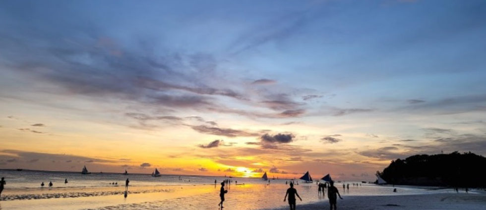 Businessman Andrew Tan and LRWC Wants to Open Boracay Casino